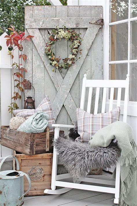 Comfortable Front Porch Decoration Ideas 08