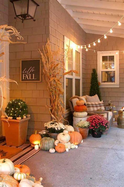 Comfortable Front Porch Decoration Ideas 11