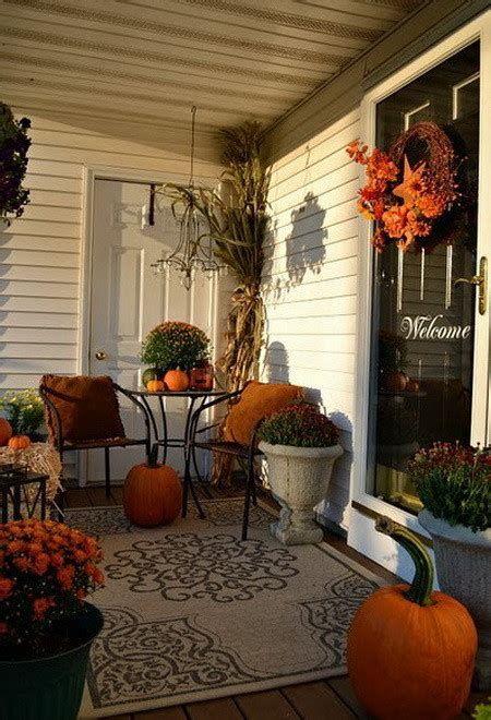 Comfortable Front Porch Decoration Ideas 12