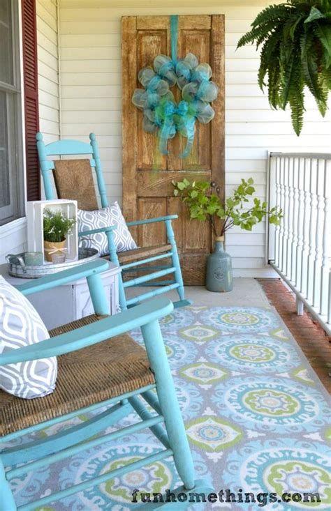 Comfortable Front Porch Decoration Ideas 19