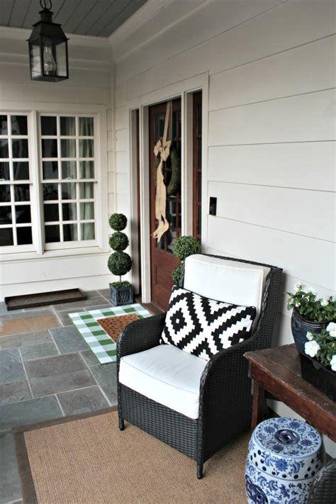 Comfortable Front Porch Decoration Ideas 20