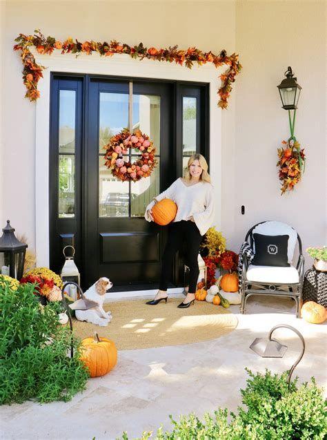 Comfortable Front Porch Decoration Ideas 26