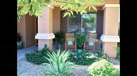 Comfortable Front Porch Decoration Ideas 27