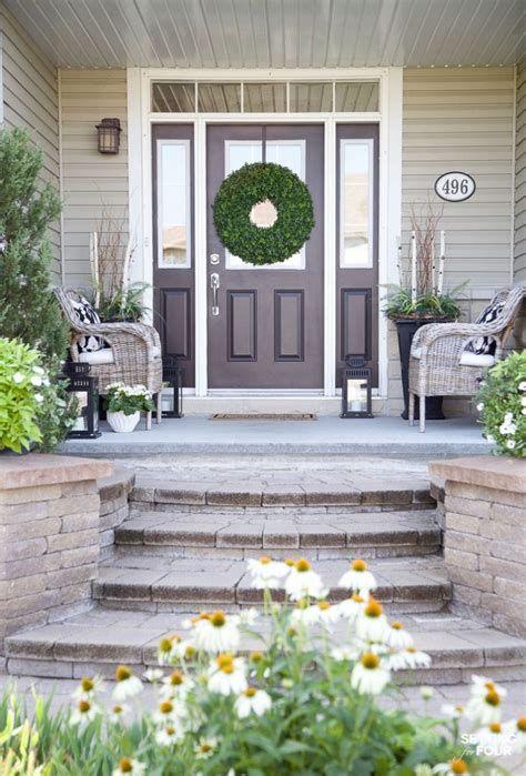 Comfortable Front Porch Decoration Ideas 28
