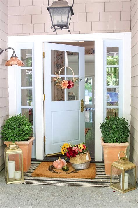 Comfortable Front Porch Decoration Ideas 29