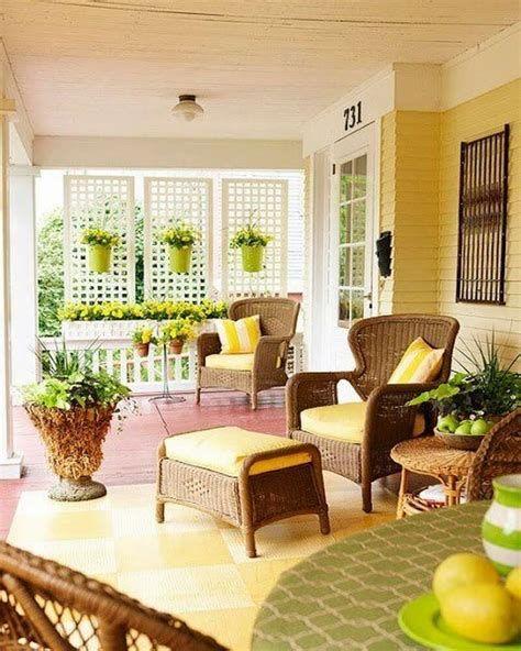 Comfortable Front Porch Decoration Ideas 31