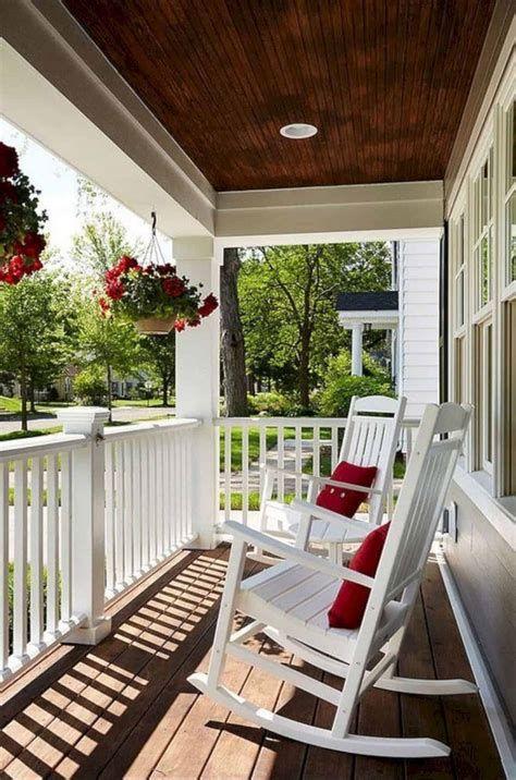 Comfortable Front Porch Decoration Ideas 36