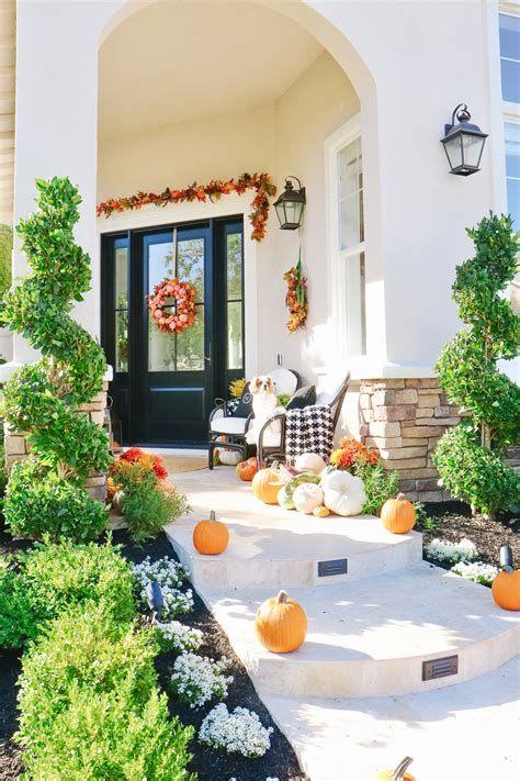 Comfortable Front Porch Decoration Ideas 37