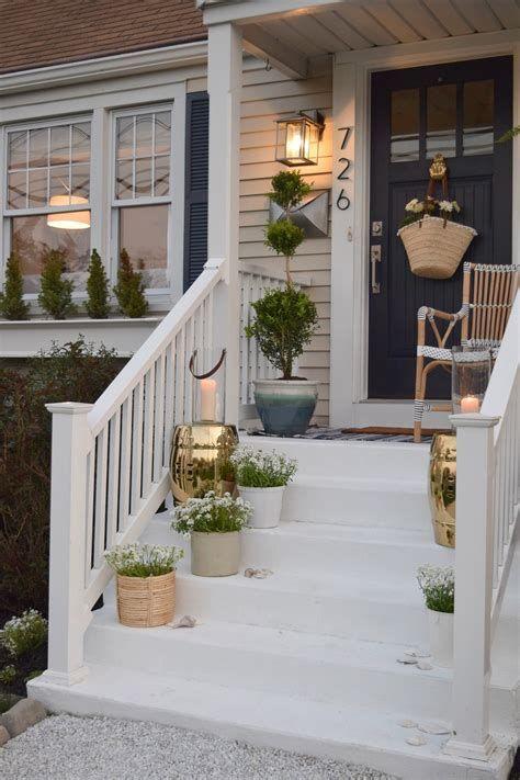 Comfortable Front Porch Decoration Ideas 46
