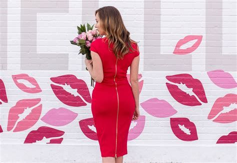 Comfortable Valentines Day Dinner Outfits 33