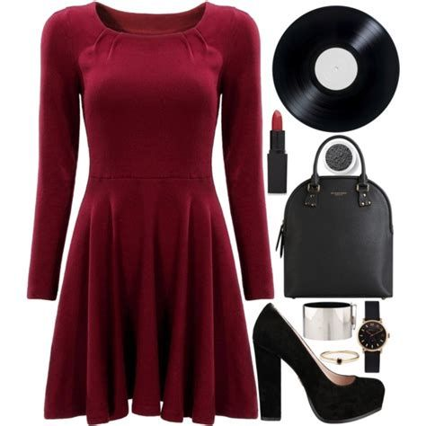 Comfortable Valentines Day Dinner Outfits 35