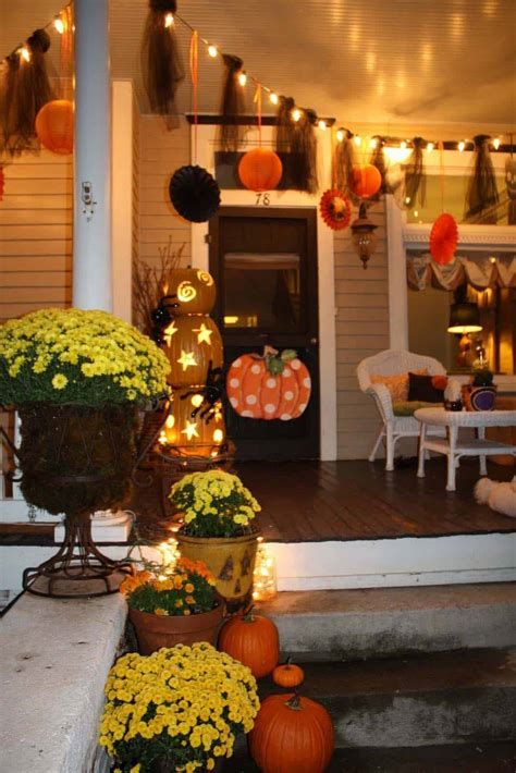 Cool Outdoor Autumn Decorating Ideas 42