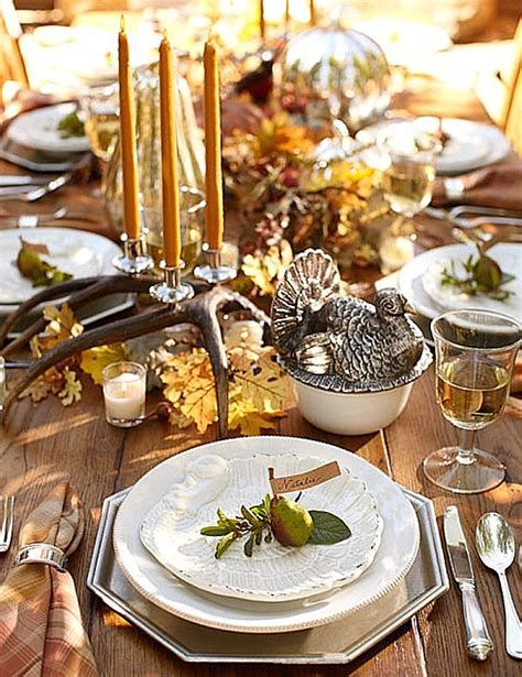 Cool Table Centerpiece For Thanksgiving 11