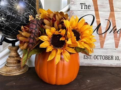 Cool Table Centerpiece For Thanksgiving 13