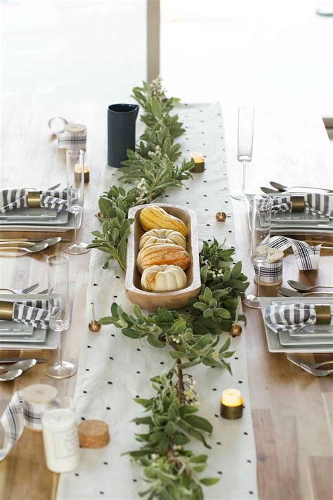 Cool Table Centerpiece For Thanksgiving 22