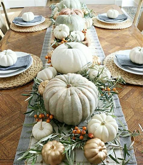 Cool Table Centerpiece For Thanksgiving 29