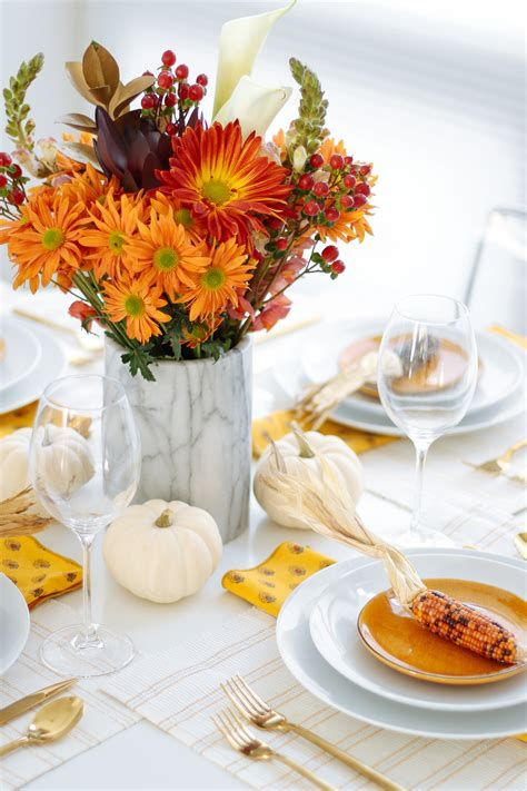 Cool Table Centerpiece For Thanksgiving 43