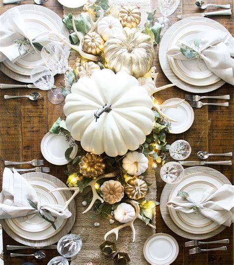 Cool Table Centerpiece For Thanksgiving 44