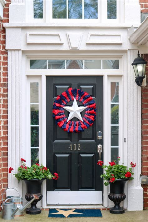 Cozy 4th Of July Door Decorations 44