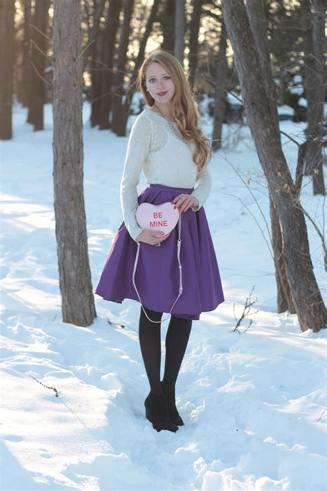 Cozy Valentines Day Party Outfit 15