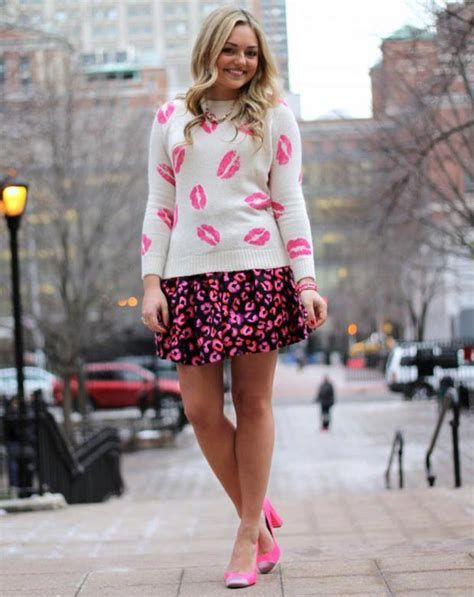 Cozy Valentines Day Party Outfit 16