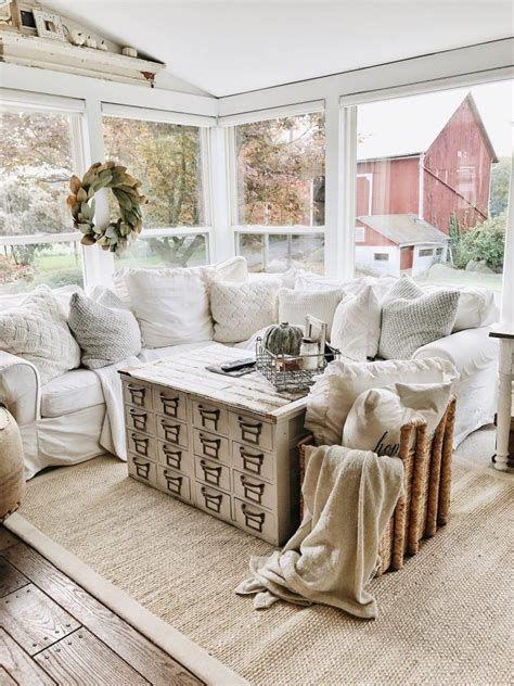 Creative Vintage Farmhouse Living Room 06