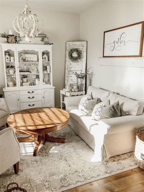 Creative Vintage Farmhouse Living Room 09