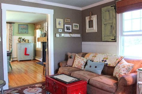 Creative Vintage Farmhouse Living Room 12