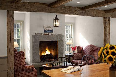 Creative Vintage Farmhouse Living Room 14