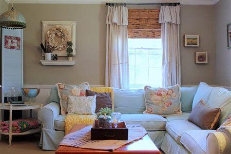 Creative Vintage Farmhouse Living Room 16