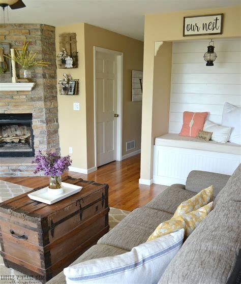Creative Vintage Farmhouse Living Room 20