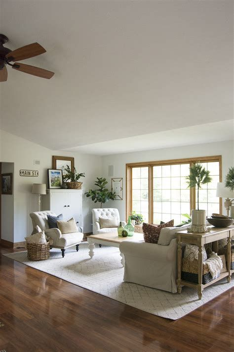 Creative Vintage Farmhouse Living Room 31