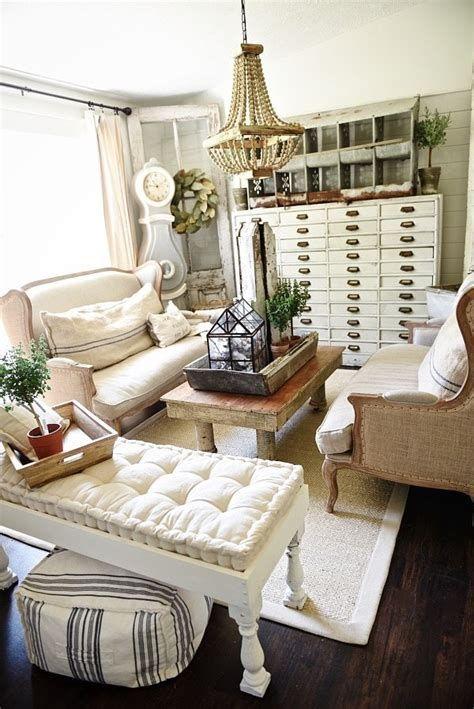 Creative Vintage Farmhouse Living Room 32