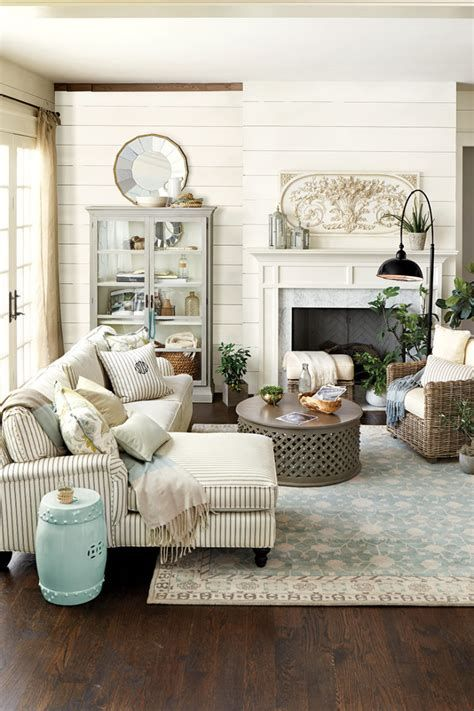 Creative Vintage Farmhouse Living Room 41