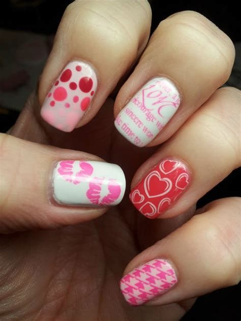 Cute Valentines Day Nails Art Ideas 02