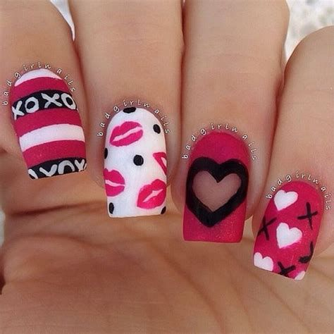 Cute Valentines Day Nails Art Ideas 04