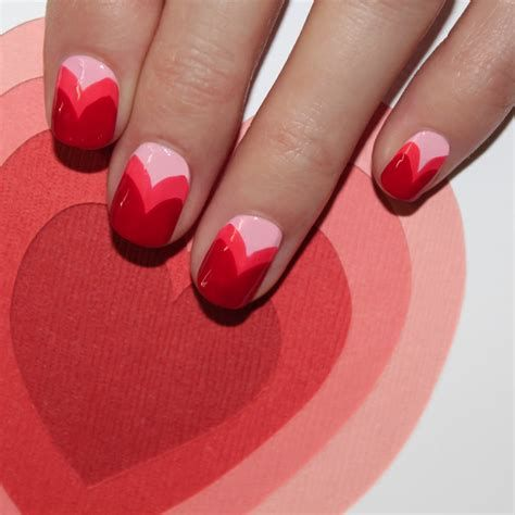 Cute Valentines Day Nails Art Ideas 15