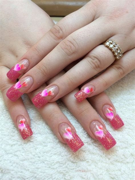 Cute Valentines Day Nails Art Ideas 16