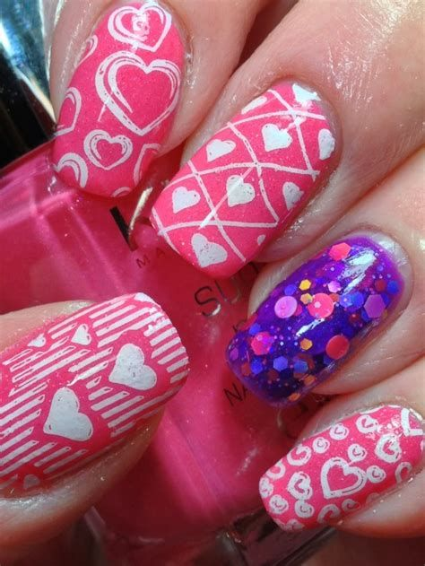 Cute Valentines Day Nails Art Ideas 17