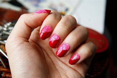 Cute Valentines Day Nails Art Ideas 24