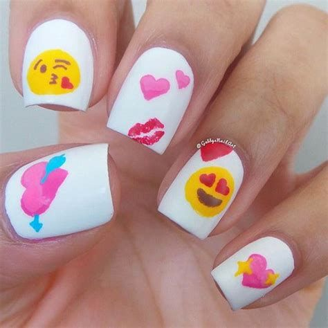 Cute Valentines Day Nails Art Ideas 32