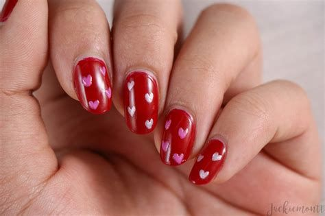 Cute Valentines Day Nails Art Ideas 35