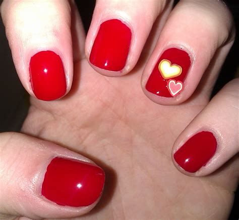 Cute Valentines Day Nails Art Ideas 37
