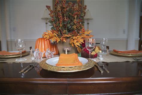 Elegant Decorate For Thanksgiving On A Budget 38