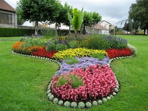 Fabulous Flower Garden Decoration Ideas 03