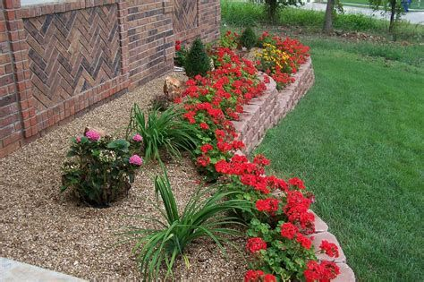 Fabulous Flower Garden Decoration Ideas 17