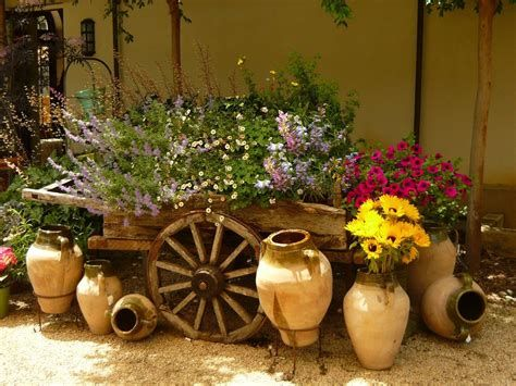 Fabulous Flower Garden Decoration Ideas 22