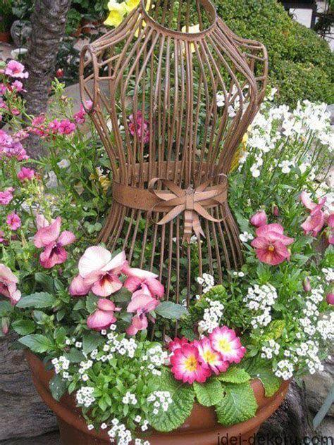 Fabulous Flower Garden Decoration Ideas 27