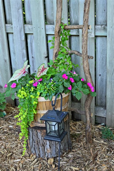 Fabulous Flower Garden Decoration Ideas 37