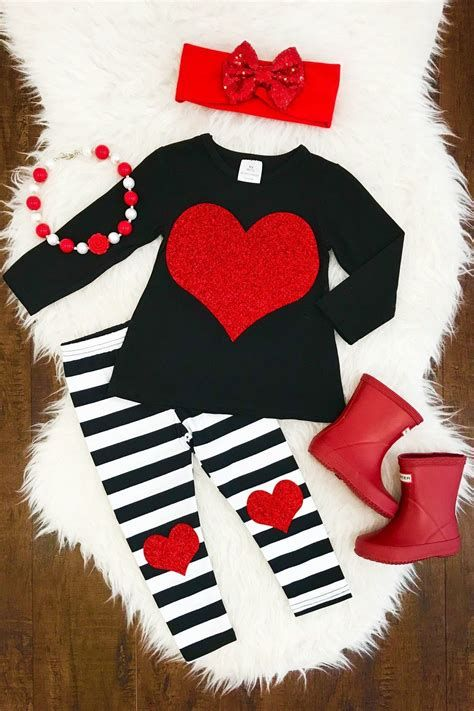 Gorgeous Valentine Day Outfits For Toddlers 17